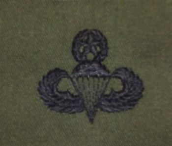 Parachute Qualification Badge, Master. Subdued.