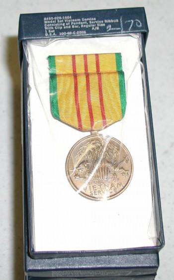 Medal Set Vietnam Service.