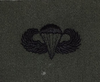 Parachute Qualification Badge, Basic. Subdued.